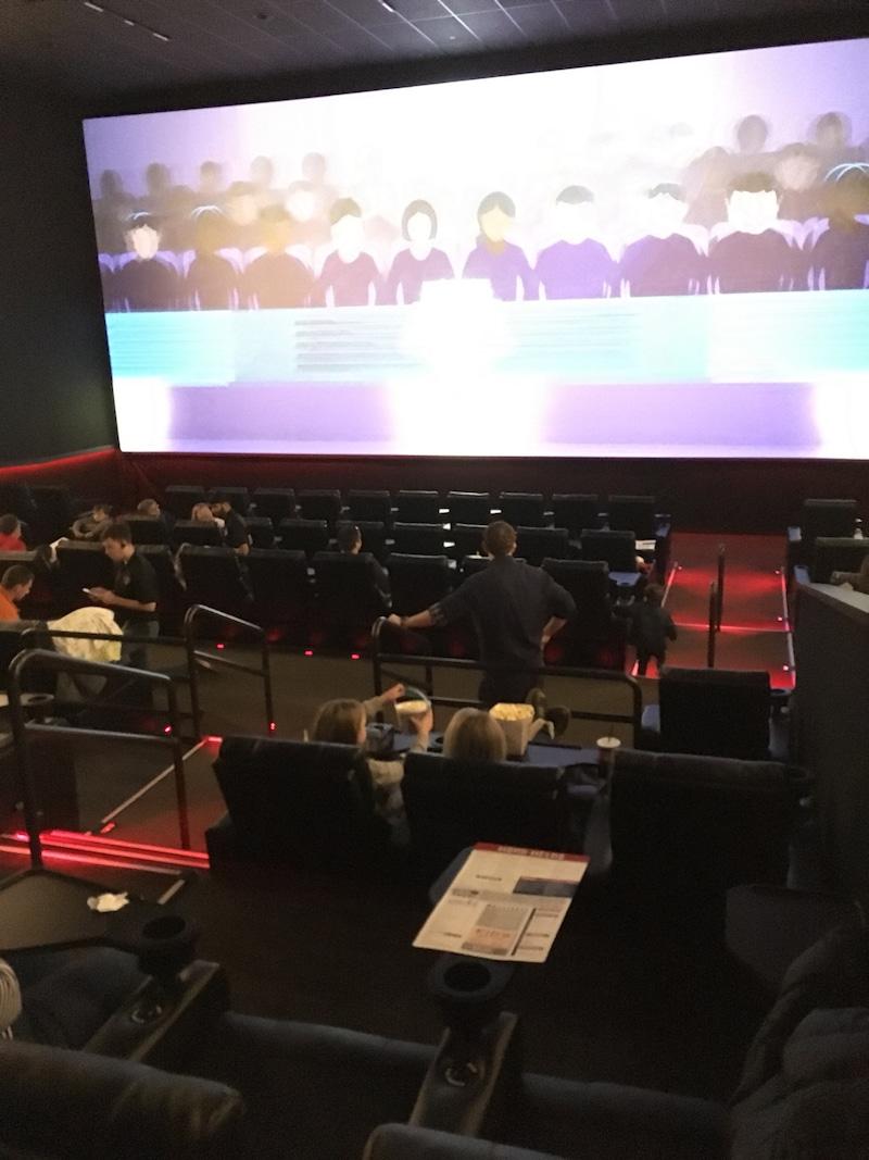 アメリカの映画館でFROZEN2を観る